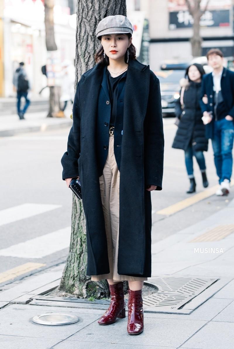 Street style siêu đẹp của giới trẻ Hàn toàn những item quen thuộc mà bạn đang có sẵn trong tủ đồ - Ảnh 6.