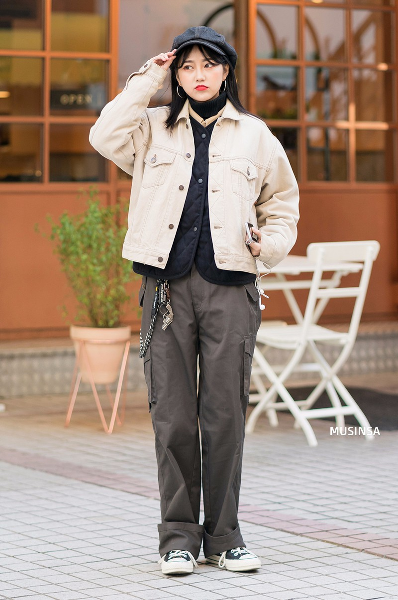 Ngắm street style mãn nhãn của giới trẻ Hàn, bạn sẽ thấy mình đã bỏ qua biết bao chiêu mix đồ đơn giản mà hay ho - Ảnh 6.