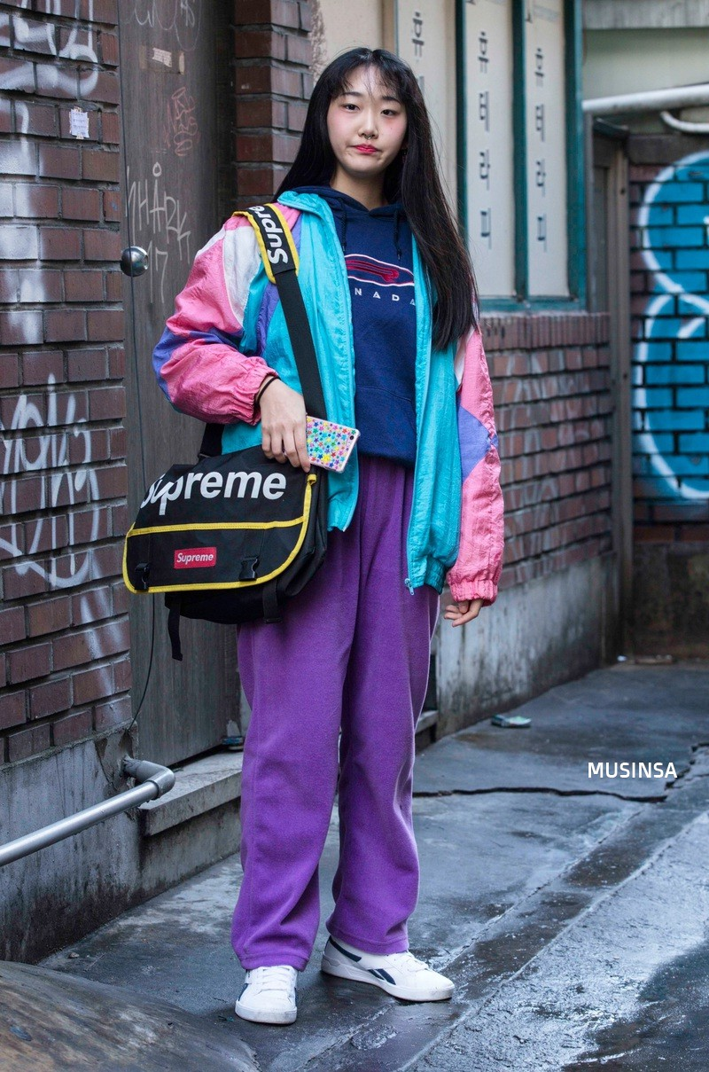 Ngắm street style mãn nhãn của giới trẻ Hàn, bạn sẽ thấy mình đã bỏ qua biết bao chiêu mix đồ đơn giản mà hay ho - Ảnh 4.