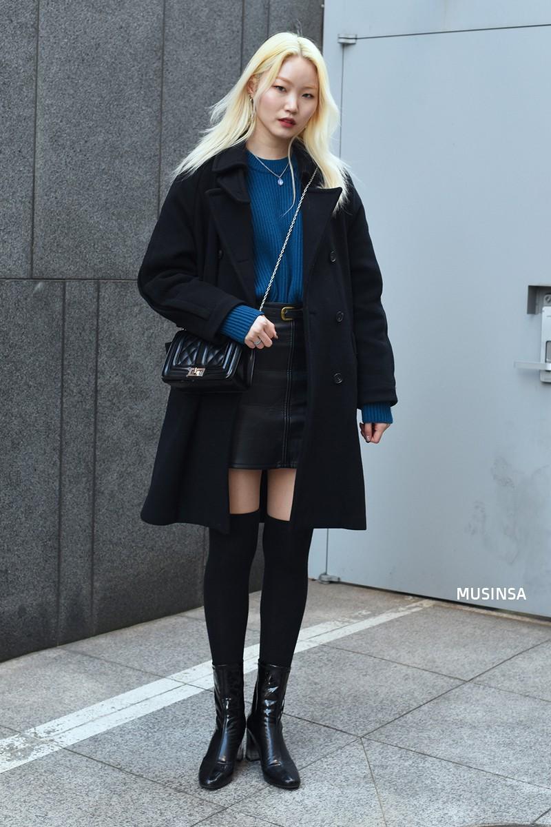Ngắm street style mãn nhãn của giới trẻ Hàn, bạn sẽ thấy mình đã bỏ qua biết bao chiêu mix đồ đơn giản mà hay ho - Ảnh 5.