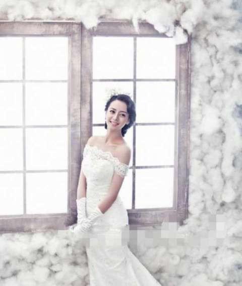 Angela Baby - Địch Lệ Nhiệt Ba cùng mặc váy cưới: Ai đẹp xuất sắc hơn ai? - Ảnh 14.