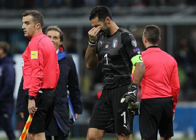 Sau 60 năm, lần đầu tiên Italia phải ngồi nhà xem World Cup - Ảnh 14.