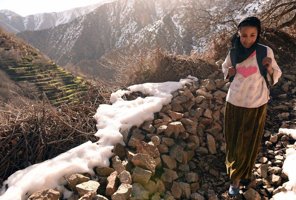 Quốc tế con gái 11/10: Hành trình đến trường gian nan của những bé gái trên toàn thế giới - Ảnh 17.
