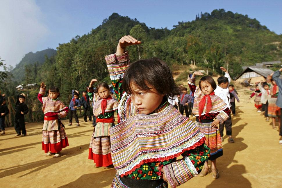 Quốc tế con gái 11/10: Hành trình đến trường gian nan của những bé gái trên toàn thế giới - Ảnh 18.