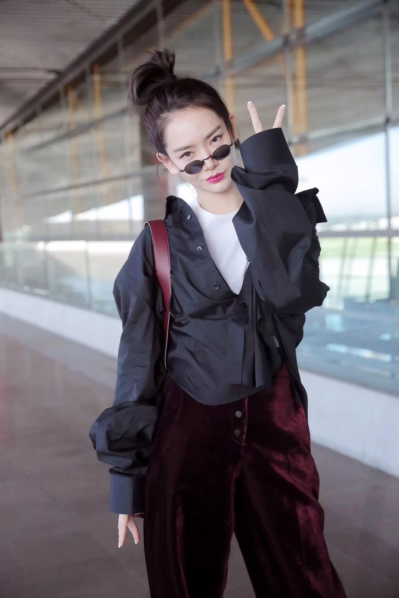 5 ngôi sao Hoa ngữ sở hữu phong cách thời trang sân bay đẹp nhất năm 2017 - Ảnh 10.