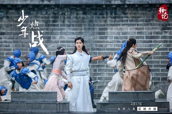 """Bạn gái Trương Hàn đã bớt """"đơ"""" khi sánh đôi cùng Luhan trên màn ảnh - Ảnh 9."""