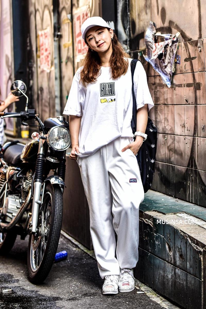 Giới trẻ Hàn sẽ khiến bạn xuýt xoa với street style chất mà chẳng cần phải cố đơn giản nhưng hút mắt quá đỗi - Ảnh 8.