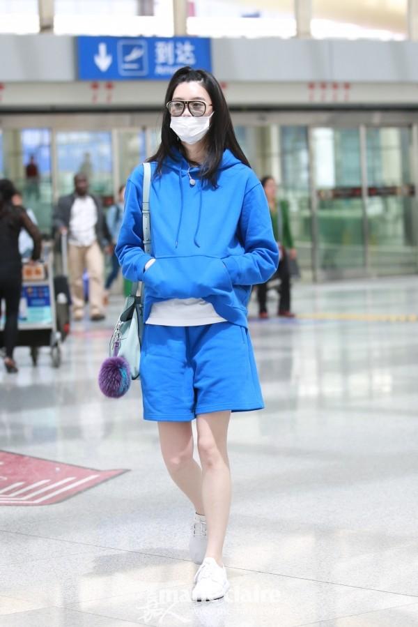 Chán lồng lộn, hàng loạt sao Hoa ngữ rủ nhau mặc nguyên bộ thể thao ra sân bay - Ảnh 9.