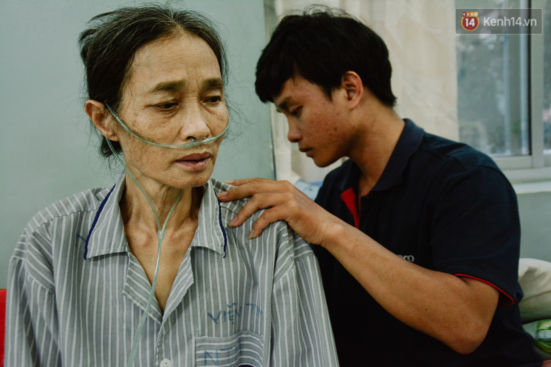 Xót xa cảnh người mẹ đơn thân ở Sài Gòn gần 60 năm giấu bệnh tim để được đi làm kiếm tiền nuôi con - Ảnh 3.