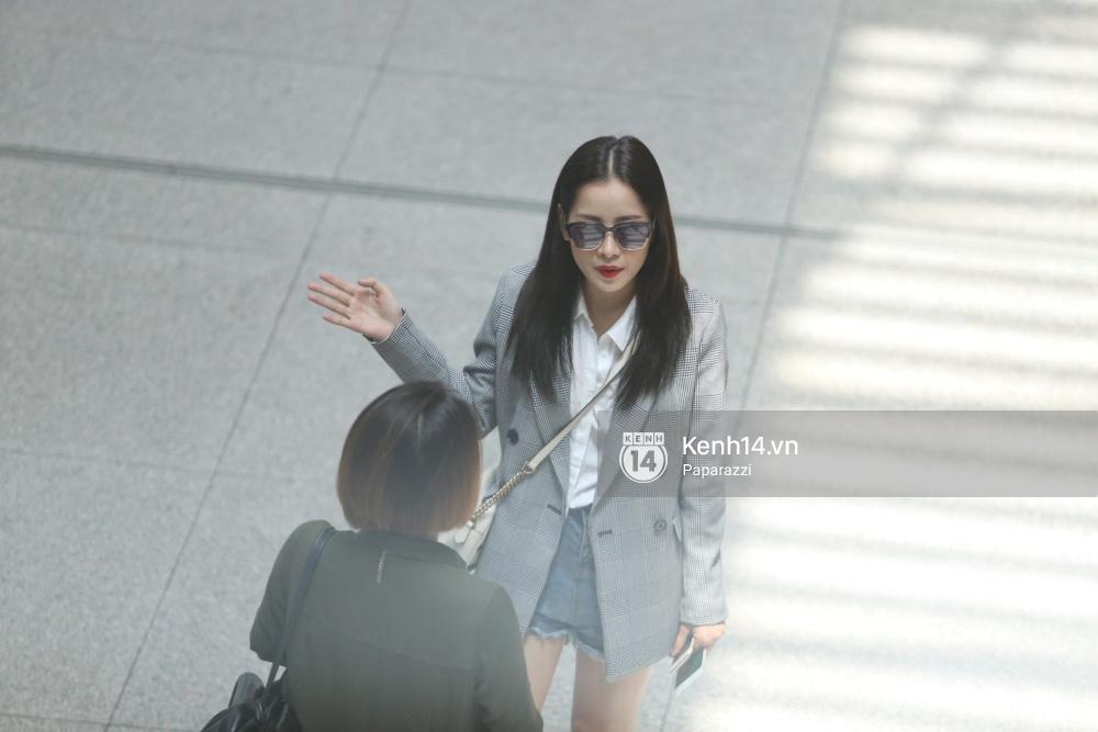 Chi Pu diện trang phục sành điệu, xuất hiện tươi tắn ở sân bay để sang Mỹ dự sự kiện - Ảnh 8.