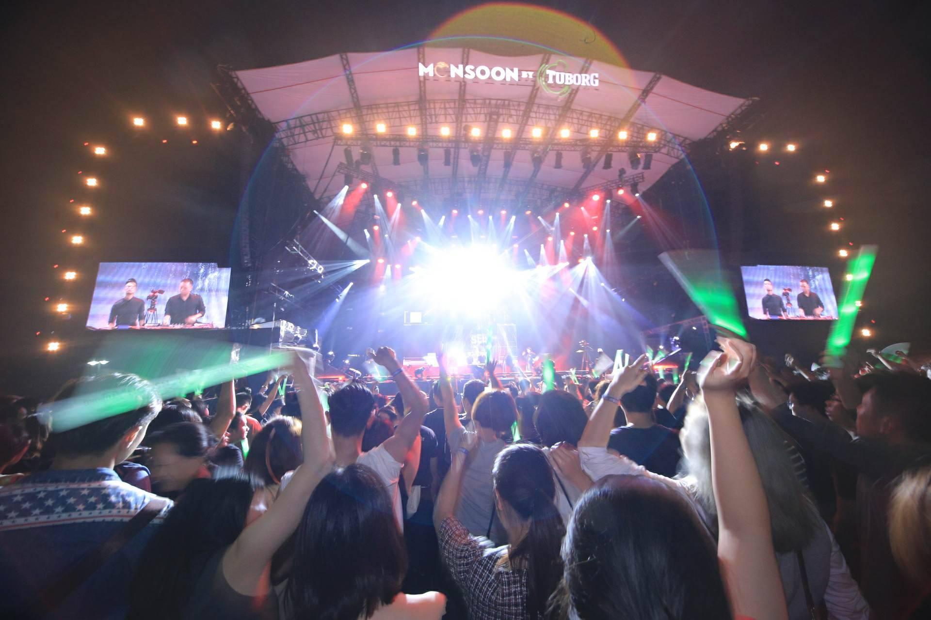 """Hoàng Touliver, SlimV cùng các nghệ sĩ quốc tế làm bùng nổ đêm nhạc đầu tiên của """"Monsoon Music Festival 2017 by Tuborg"""" - Ảnh 9."""