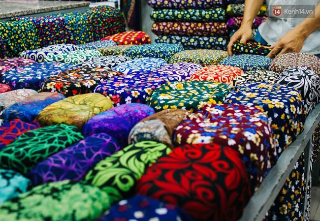 Chùm ảnh: Ghé thăm chợ Soái Kình Lâm - thiên đường vải vóc lâu đời và nhộn nhịp nhất ở Sài Gòn - Ảnh 7.