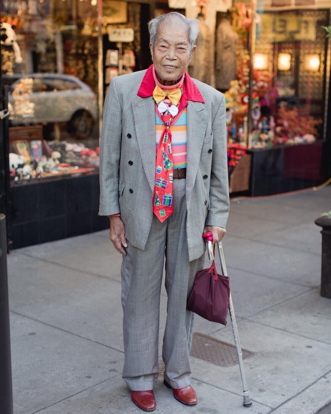 Không đăng hình giới trẻ, tài khoản Instagram này lại tôn vinh street style đi chợ của các cụ già và được hưởng ứng vô cùng - Ảnh 12.