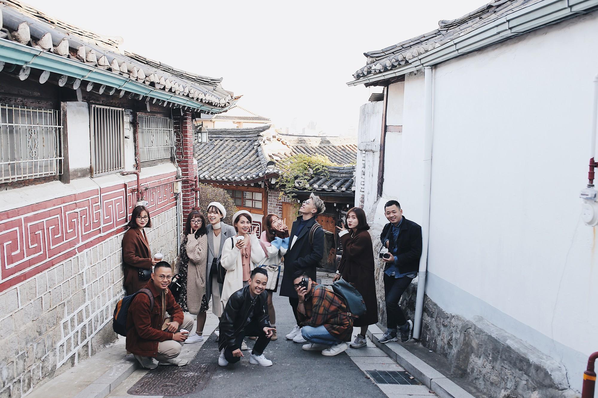 Ảnh đi Hàn tuyệt đẹp của An Toe: Du lịch nhóm, lên concept áo quần quan trọng như... mua vé máy bay! - Ảnh 1.