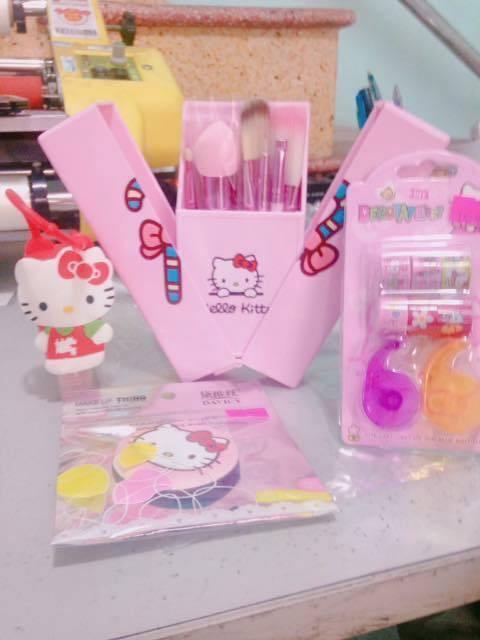 Chuyện tình chỉ có màu hồng theo nghĩa đen của cô nàng cuồng Hello Kitty - Ảnh 2.