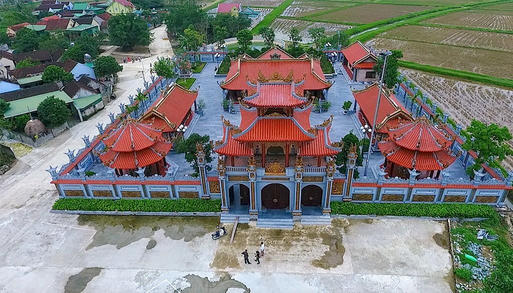 Chùm ảnh: Cận cảnh khu nhà thờ họ 100 tỷ với nhiều vật dụng dát vàng ở Nghệ An - Ảnh 11.