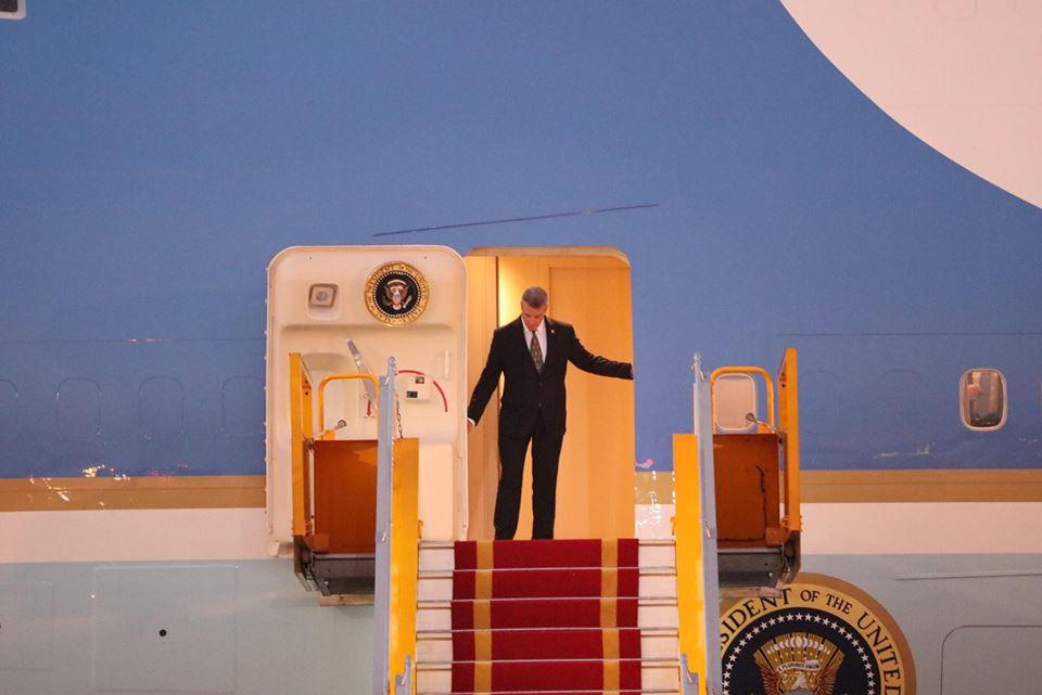 Tổng thống Mỹ Donald Trump đến Hà Nội, an ninh thắt chặt ở các tuyến phố trung tâm - Ảnh 11.