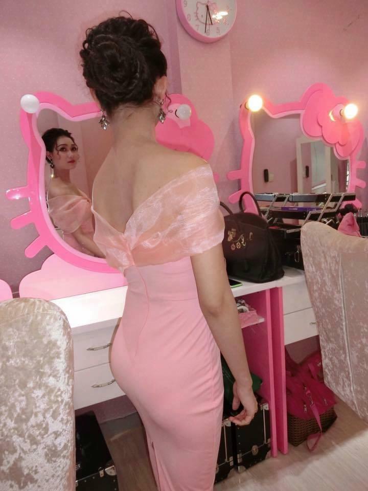 Chuyện tình chỉ có màu hồng theo nghĩa đen của cô nàng cuồng Hello Kitty - Ảnh 3.