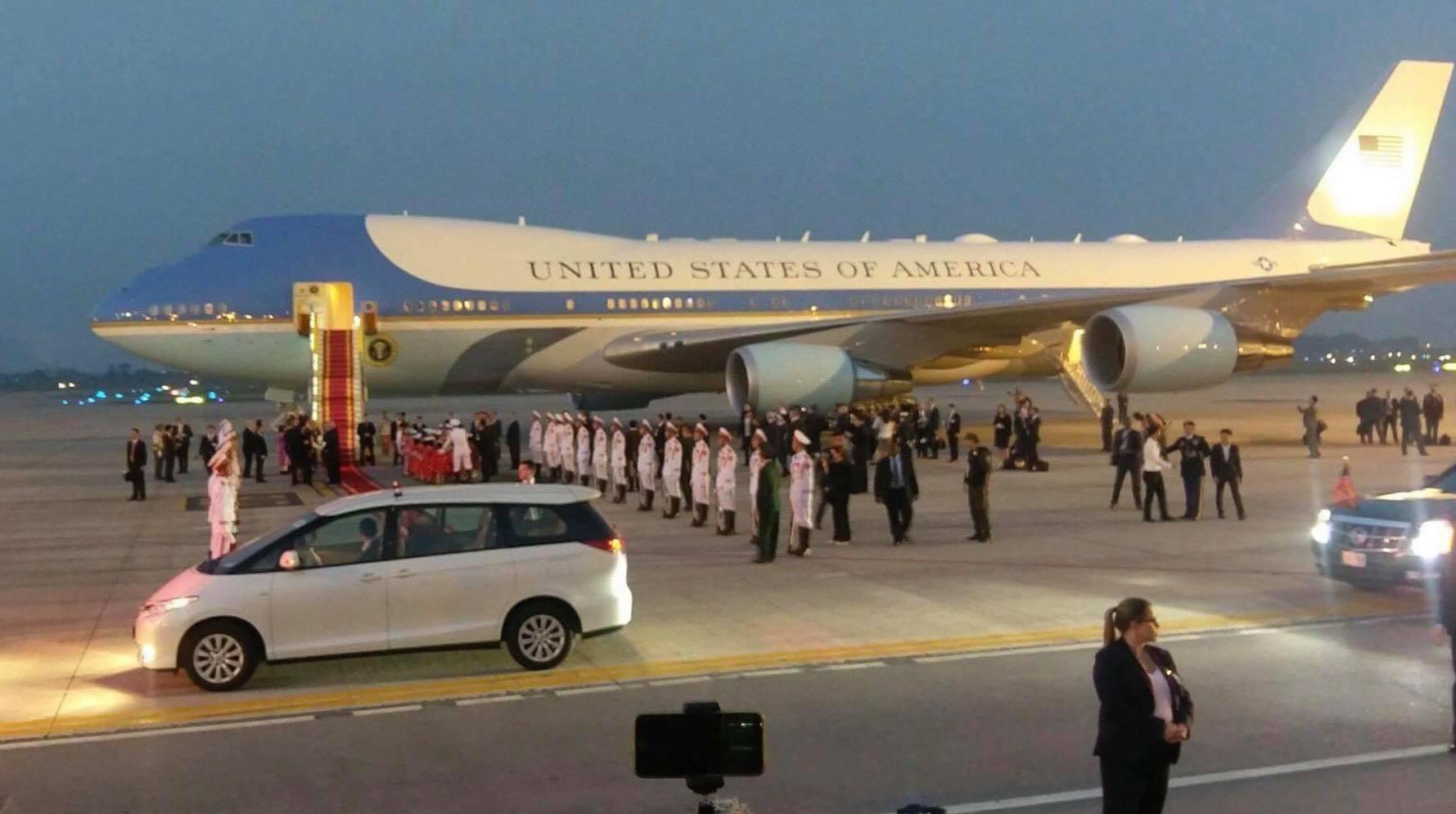Tổng thống Mỹ Donald Trump đến Hà Nội, an ninh thắt chặt ở các tuyến phố trung tâm - Ảnh 13.
