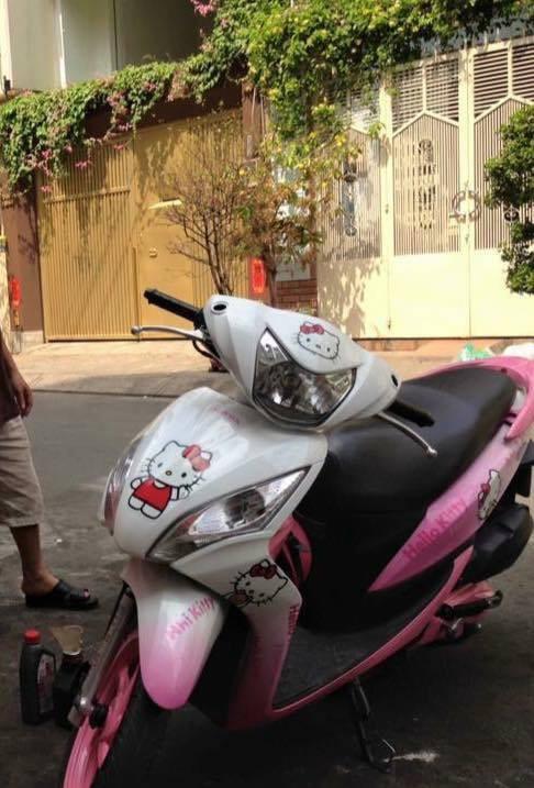 Chuyện tình chỉ có màu hồng theo nghĩa đen của cô nàng cuồng Hello Kitty - Ảnh 7.