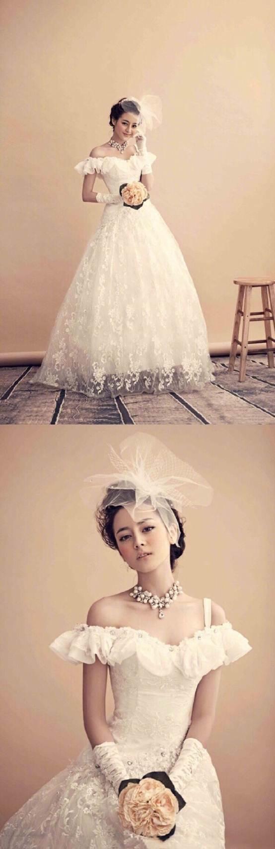 Angela Baby - Địch Lệ Nhiệt Ba cùng mặc váy cưới: Ai đẹp xuất sắc hơn ai? - Ảnh 11.