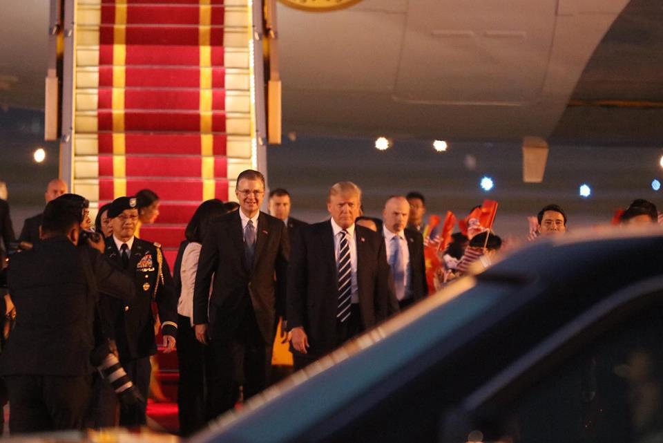 Tổng thống Mỹ Donald Trump đến Hà Nội, an ninh thắt chặt ở các tuyến phố trung tâm - Ảnh 16.