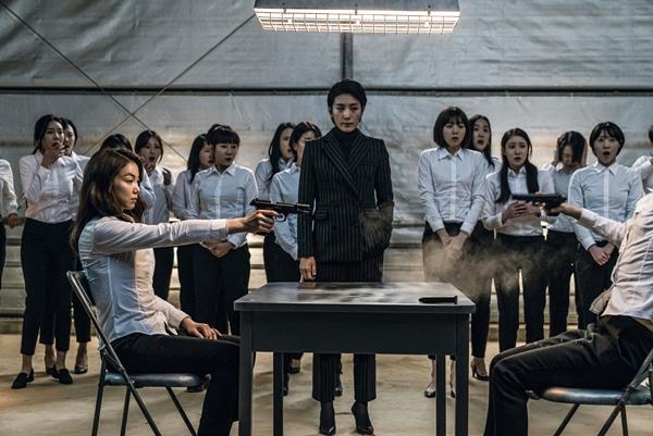 """The Villainess: Đây là người phụ nữ """"ngầu"""" nhất màn ảnh Hàn khiến ai nấy đều hết hồn! - Ảnh 10."""