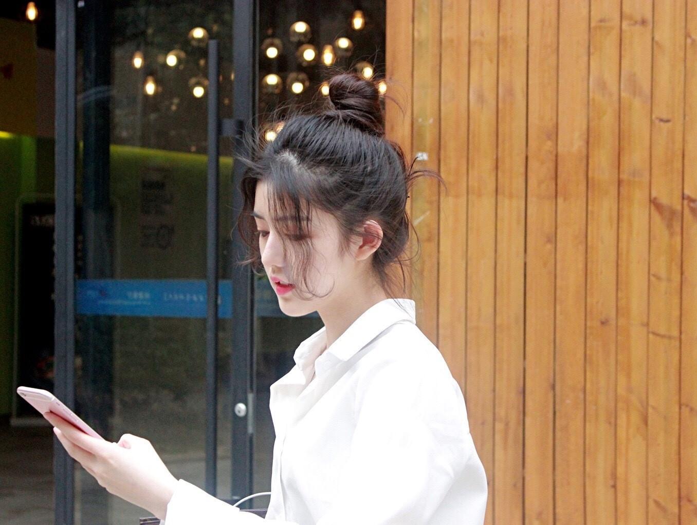 Sao Trẻ: Quá xinh đẹp, cô bạn Trung Quốc khiến các chàng trai thi nhau