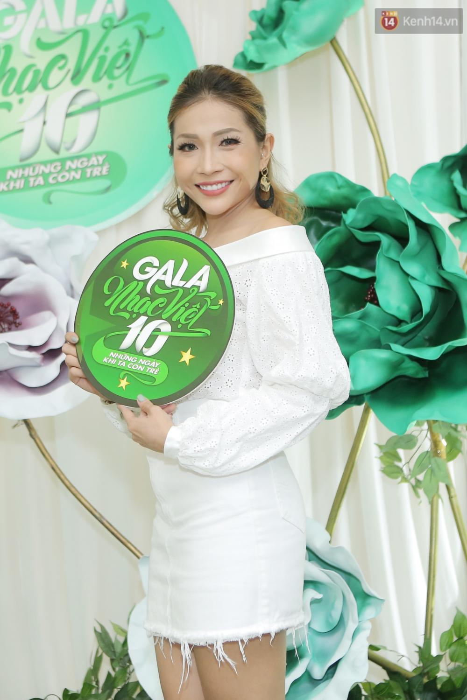 Hồ Ngọc Hà giản dị nhưng vẫn kiêu sa, vui vẻ hội ngộ Noo Phước Thịnh cùng dàn sao Việt tại sự kiện - Ảnh 8.