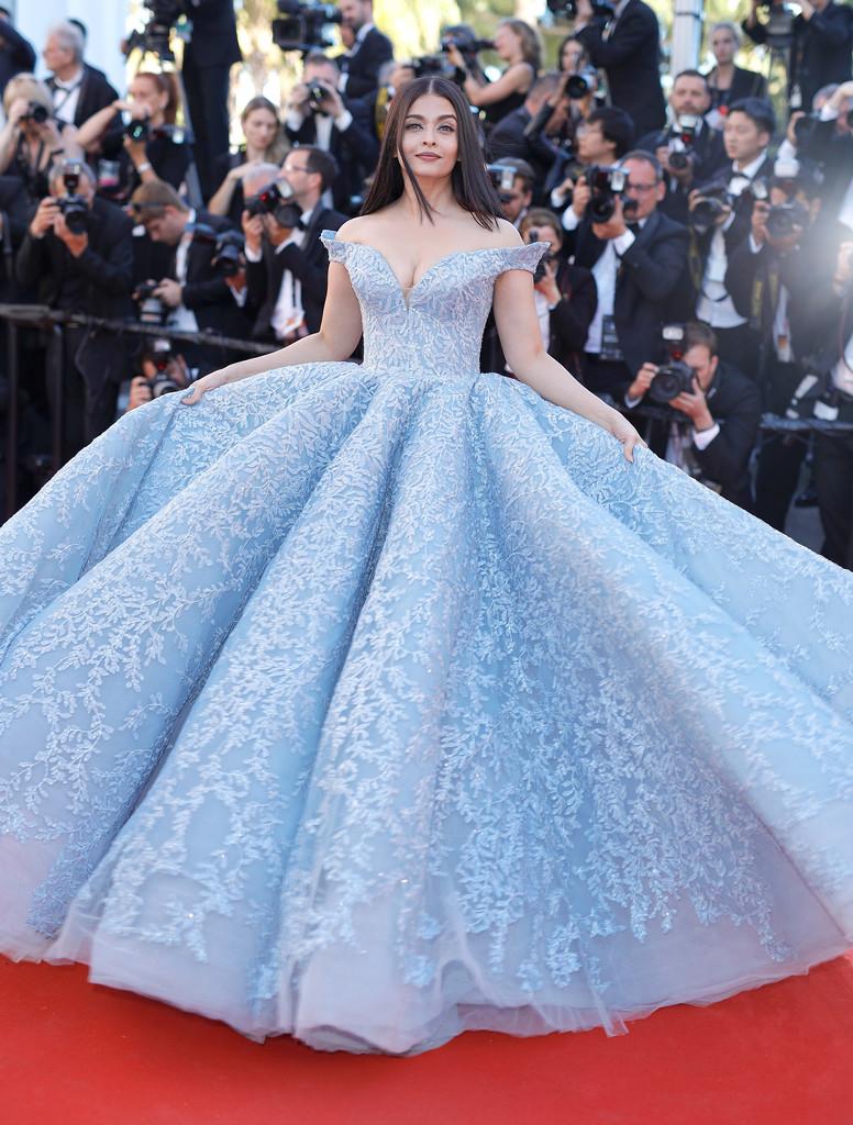 Hoa hậu Aishwarya Rai đẹp như Lọ Lem, chặt chém dàn mỹ nhân trên đấu trường nhan sắc Cannes! - Ảnh 3.