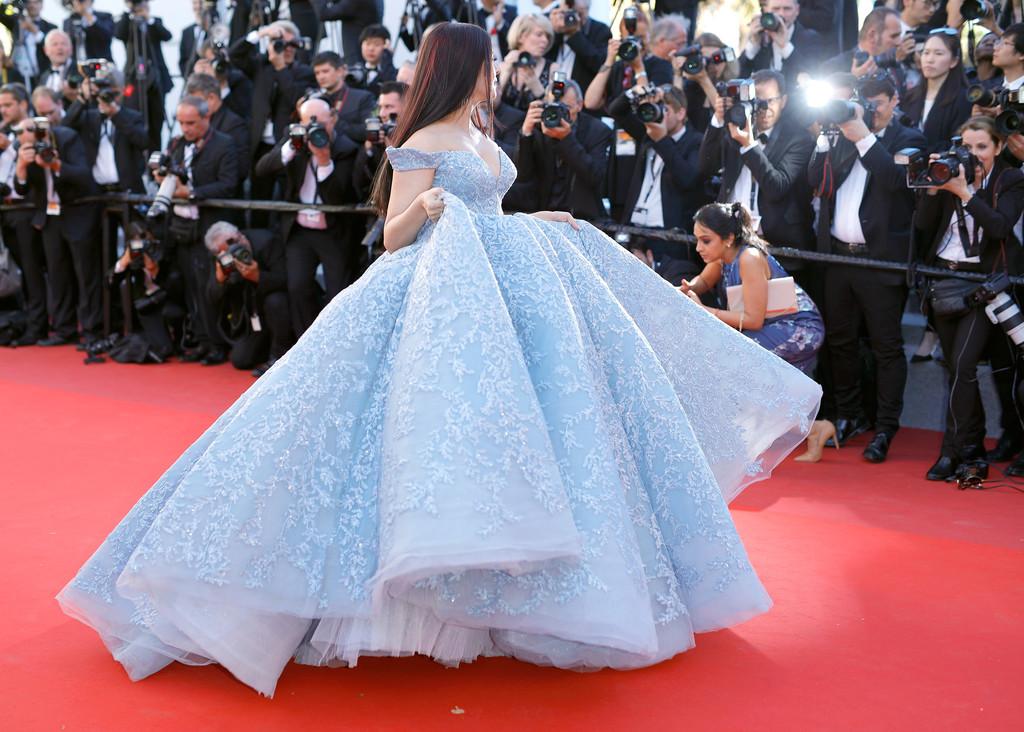 Hoa hậu Aishwarya Rai đẹp như Lọ Lem, chặt chém dàn mỹ nhân trên đấu trường nhan sắc Cannes! - Ảnh 7.