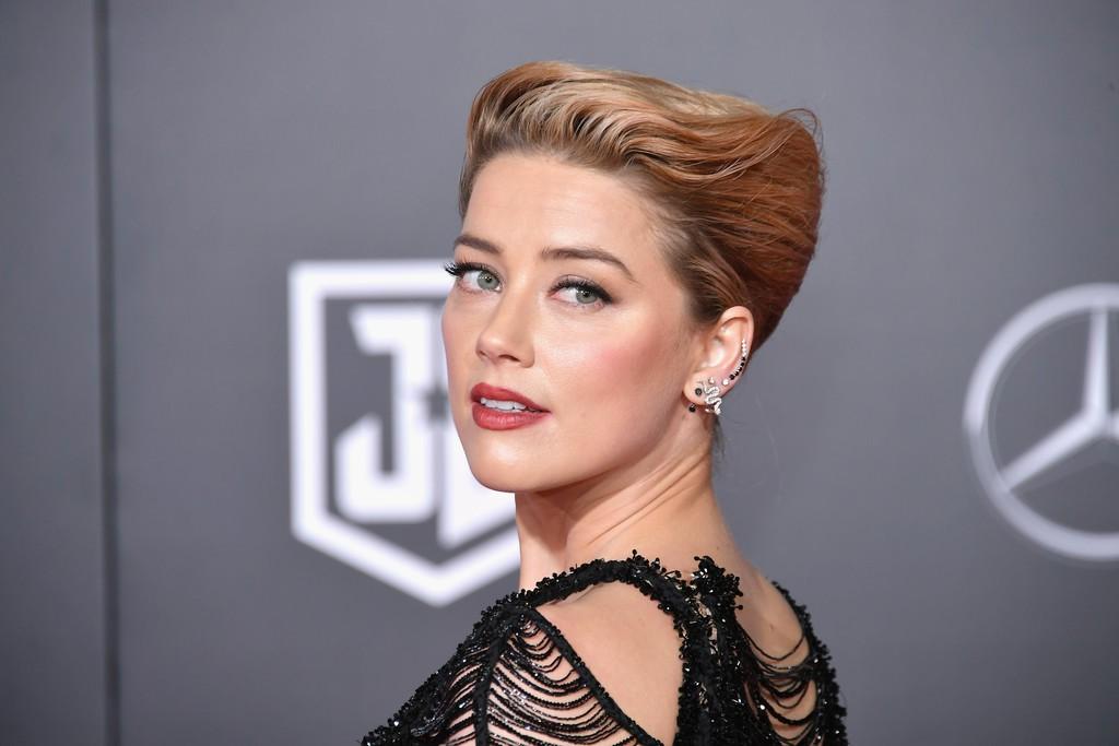Dù lắm thị phi nhưng Amber Heard quả thật quá xinh đẹp, cân luôn cả Wonder Woman trên thảm đỏ - Ảnh 3.