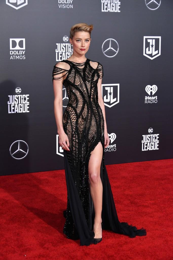 Dù lắm thị phi nhưng Amber Heard quả thật quá xinh đẹp, cân luôn cả Wonder Woman trên thảm đỏ - Ảnh 2.