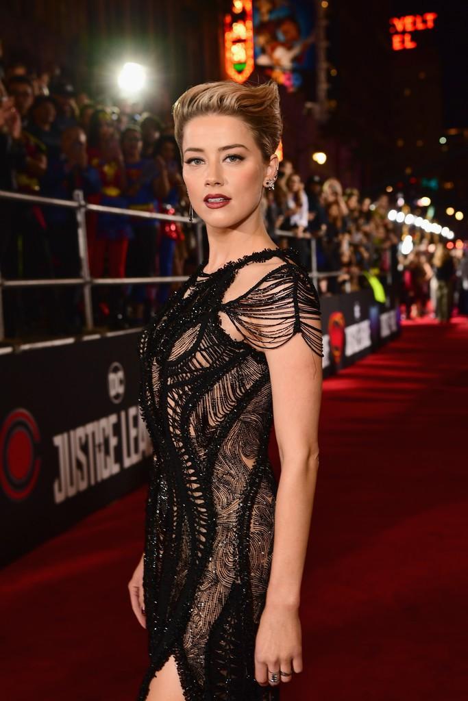 Dù lắm thị phi nhưng Amber Heard quả thật quá xinh đẹp, cân luôn cả Wonder Woman trên thảm đỏ - Ảnh 4.