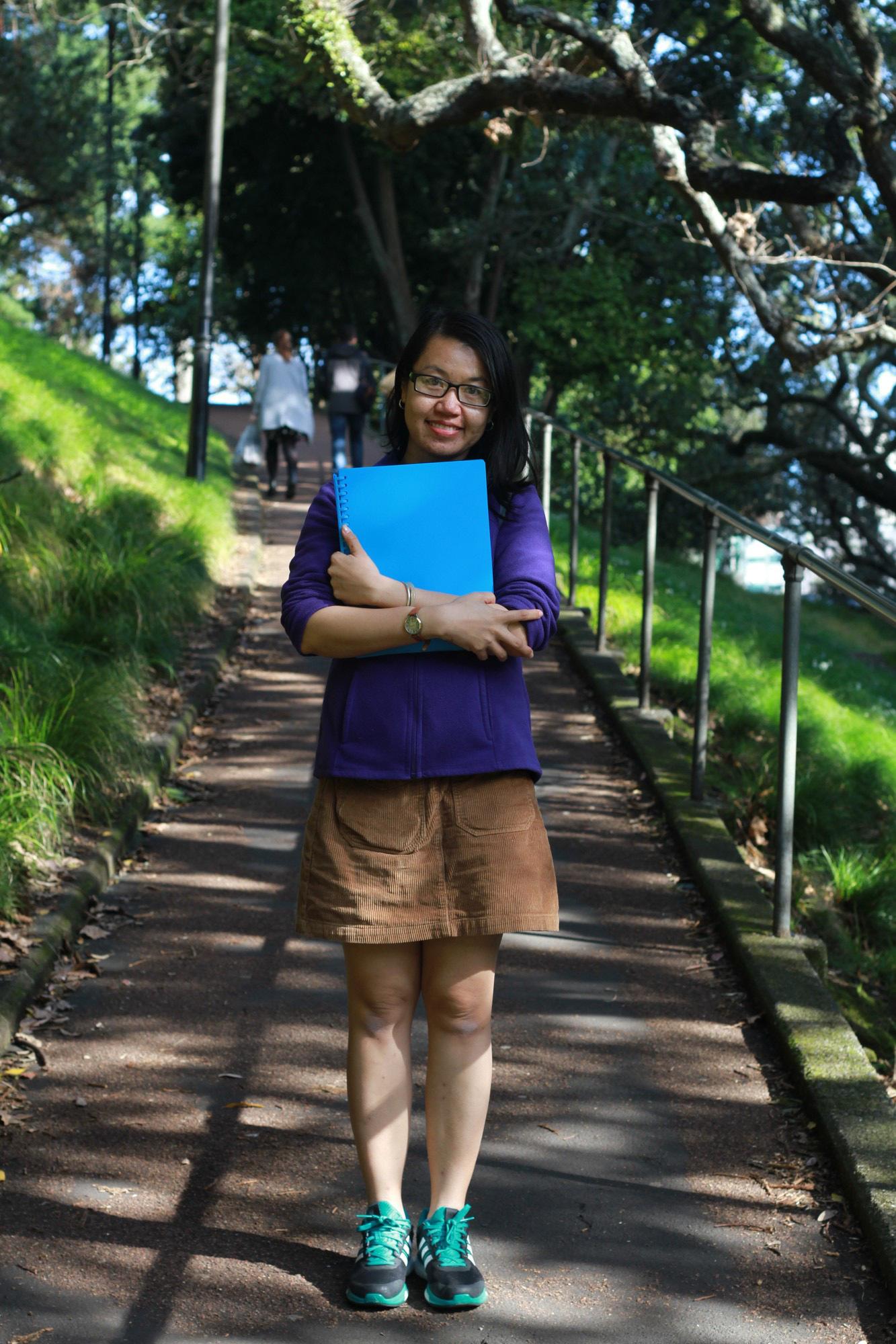 Cô gái từng trượt đến 9 lần chia sẻ về bí quyết săn học bổng du học - Ảnh 1.