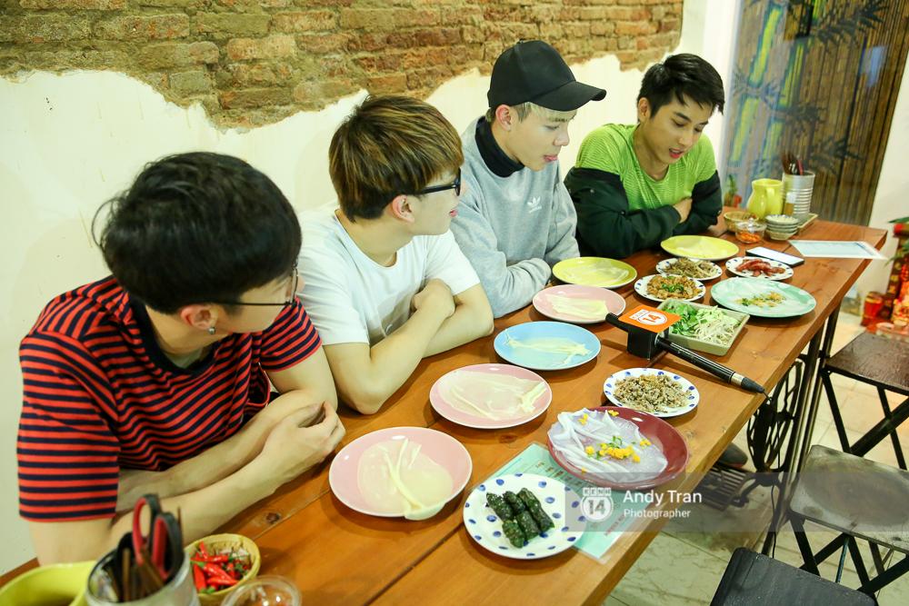 """3 quán bánh cuốn ngon """"nức nở"""" cho ngày mát trời tại Sài Gòn - Ảnh 8."""