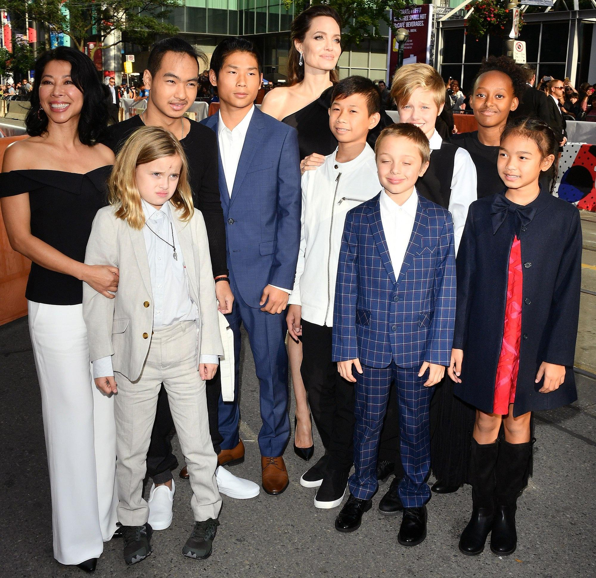 Phải chăng Angelina Jolie đá đểu Brad Pitt khi nói: Chưa ai từng sát cánh bên tôi như các con? - Ảnh 2.