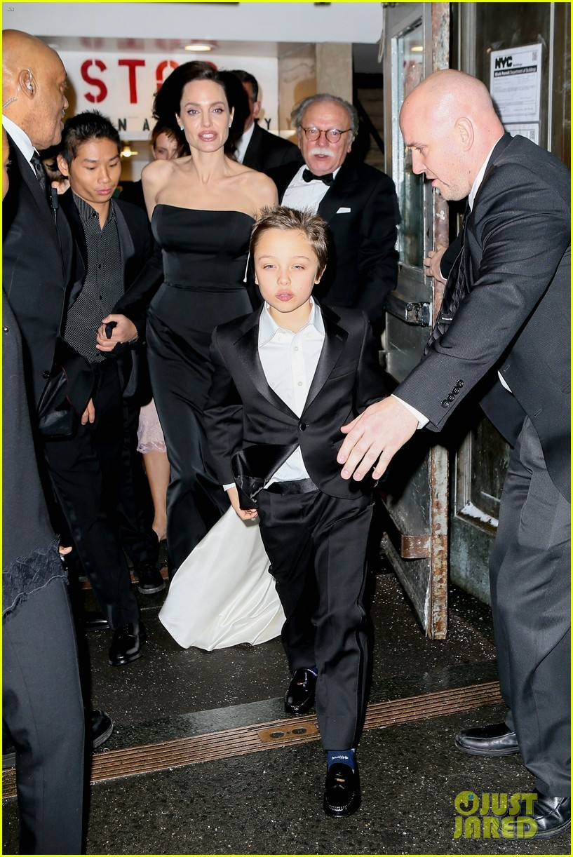 angelina-jolie-her-kids-get-dressed-up-f