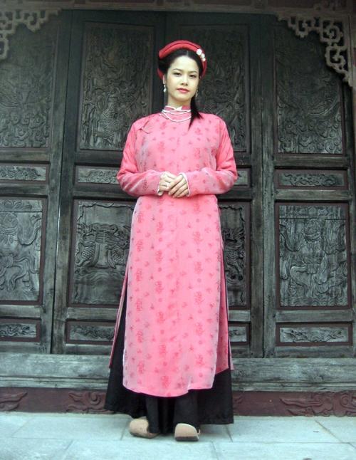 Trước Cô Ba Sài Gòn, không ít lần những tà áo truyền thống Việt Nam gây dấu ấn trên màn ảnh - Ảnh 6.
