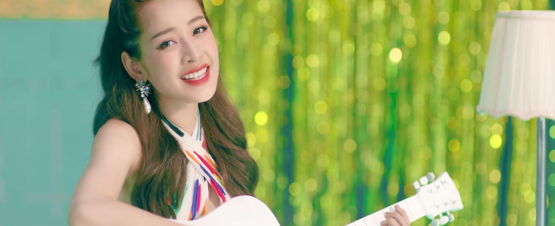 Mừng MV Cho ta gần hơn cán mốc 6 triệu lượt xem, Chi Pu tung phiên bản Acoustic nhẹ nhàng tặng fan - Ảnh 4.