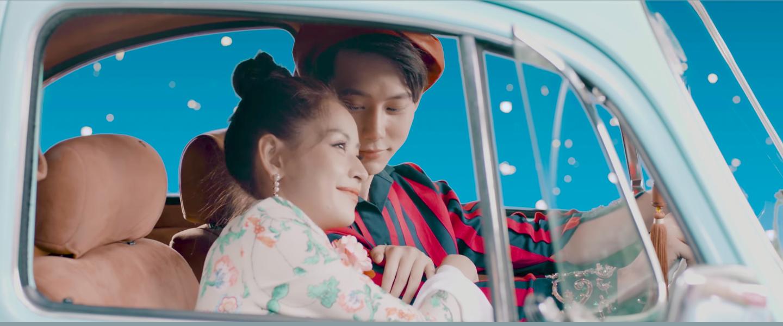 Mừng MV Cho ta gần hơn cán mốc 6 triệu lượt xem, Chi Pu tung phiên bản Acoustic nhẹ nhàng tặng fan - Ảnh 3.