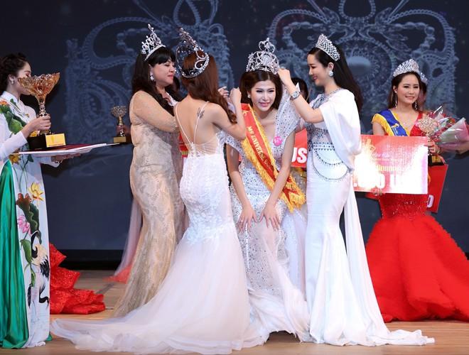 Showbiz Việt lại có thêm 9 Hoa hậu, Á hậu chỉ trong vòng 10 ngày đầu tháng 12! - Ảnh 9.