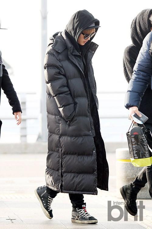 Chỉ vì các Idol mà giới trẻ Hàn cố vòi bố mẹ đến cả chục triệu sắm loại áo này - Ảnh 7.