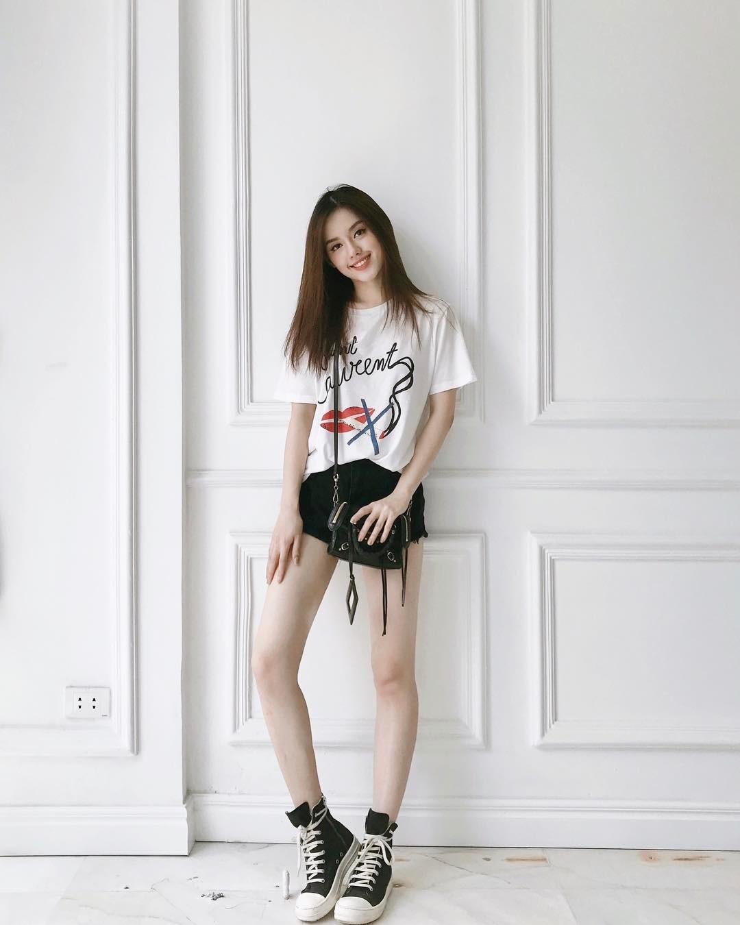 Quanh đi quẩn lại, đây vẫn là 3 kiểu áo phông được con gái Việt mê nhất - Ảnh 10.