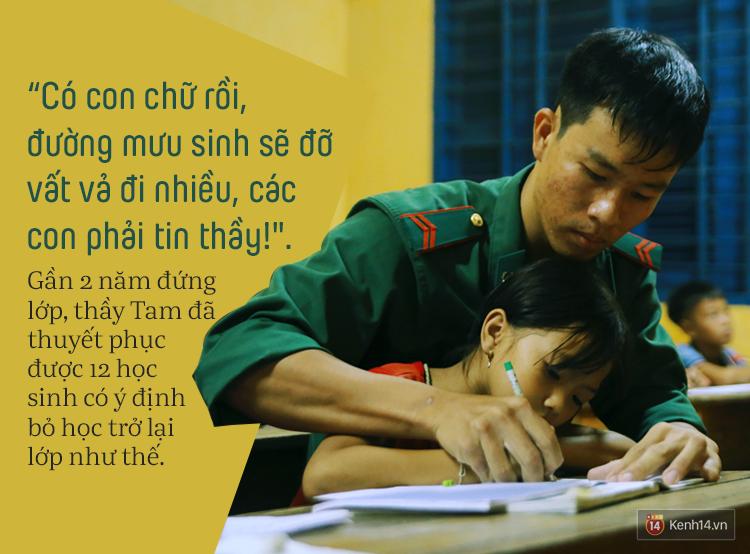 Những thầy giáo quân hàm xanh ở Vành đai biên giới Việt - Cam: Ngày tuần tra, đêm gieo chữ cho bọn trẻ không quốc tịch - Ảnh 8.