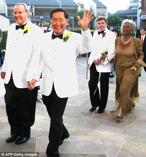 Trước Hồ Vĩnh Khoa, cũng đã có nhiều đám cưới đồng tính đẹp như mơ của sao thế giới - Ảnh 19.