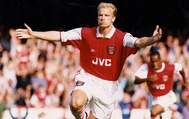 Huyền thoại Dennis Bergkamp: Thiên sứ bóng đá đẹp - Ảnh 3.
