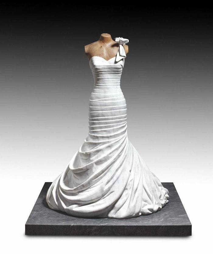Ngắm bộ sưu tập váy duyên dáng được điêu khắc từ đá cẩm thạch - Ảnh 21.