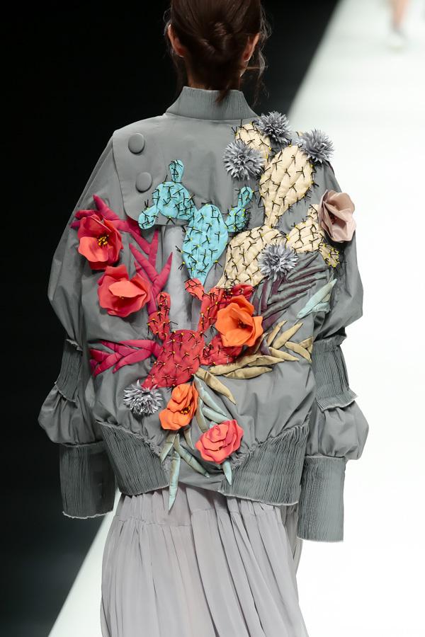 BST mới của NTK Công Trí tại Tokyo Fashion Week: Trước cái đẹp, bạn chỉ còn biết Wow lên một tiếng!!! - Ảnh 24.