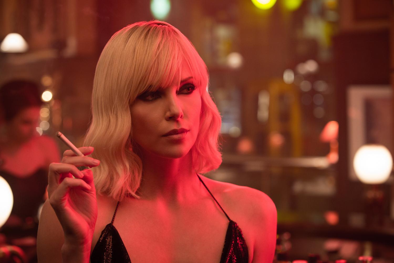 Charlize Theron trở lại làm nữ sát thủ gợi cảm trong siêu phẩm hành động Atomic Blonde - Ảnh 2.